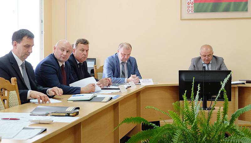 24 мая в здании Столинского райисполкома проходит расширенное заседание