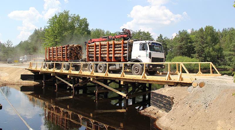 На территории Полесского лесхоза открыли новый  мост через реку Ствигу