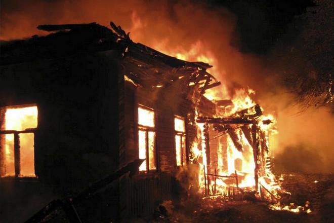 5 сараев и теплица уничтожены пожаром в д. Ольгомель