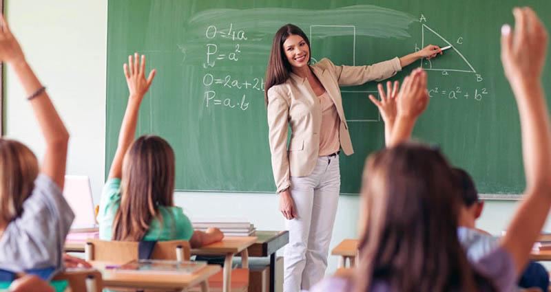 Кому и что должен учитель?..