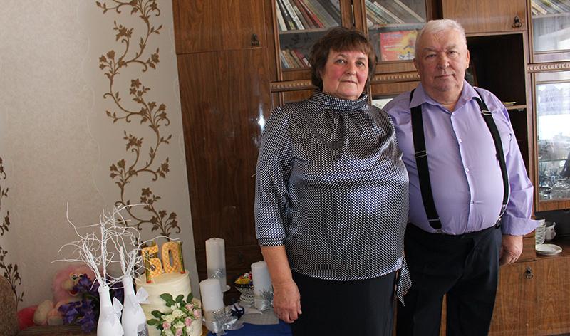 Золотой юбилей совместной жизни отпраздновали жители р. п. Речица Евгения Андреевна и  Леонид Александрович Дульские