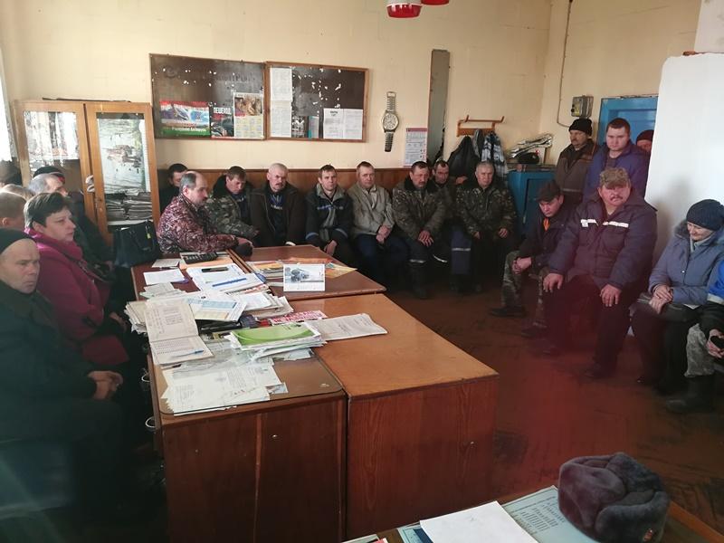 Столинский РОЧС провел беседу с трудовым коллективом КСУП «Струга»
