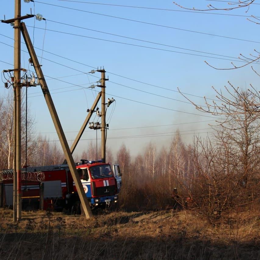22 марта в р. п. Речица произошло возгорание сухой растительности