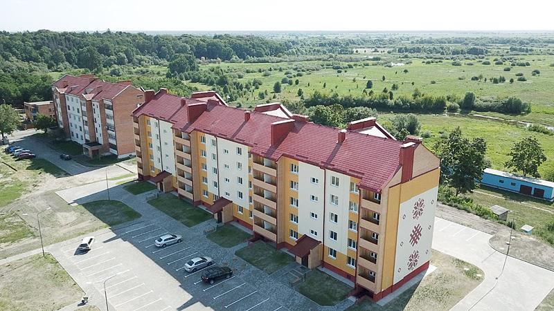Недавно десятки семей получили ключи от новых квартир в новостройке в г. Столине